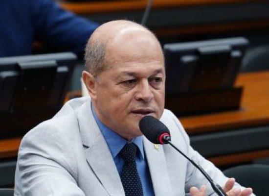 Comissão aprova inclusão da mobilidade urbana como direito fundamental do idoso