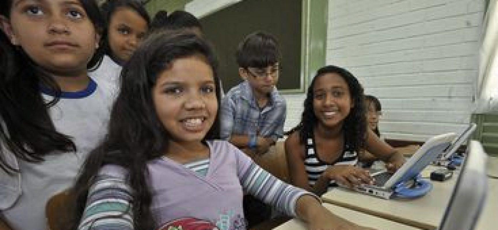 Internet de alta velocidade chegará a todas as escolas urbanas do país, diz Weintraub