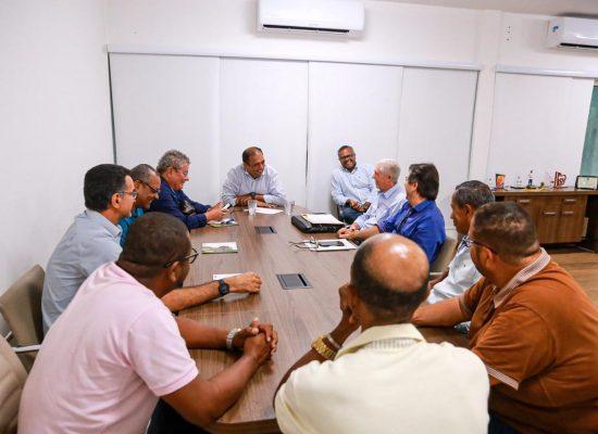 Prefeito discute reorganização do comércio no centro de Ilhéus
