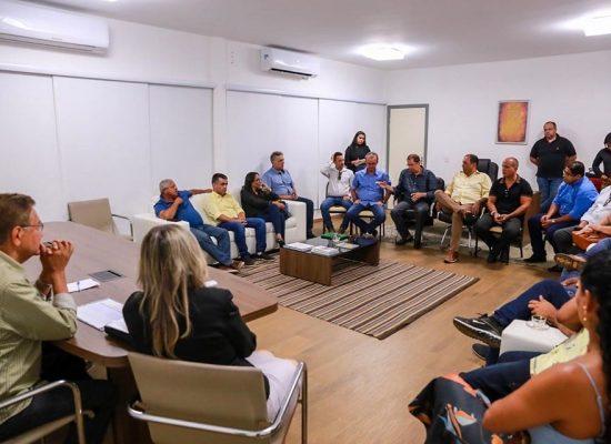 Prefeito discute temporada de cruzeiros marítimos em Ilhéus