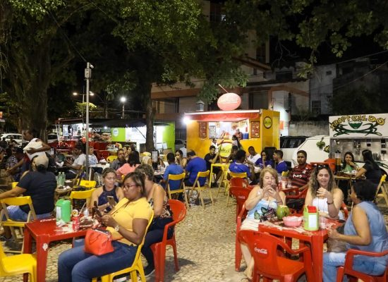 Projeto Música na Praça leva lazer para moradores e turistas em Ilhéus
