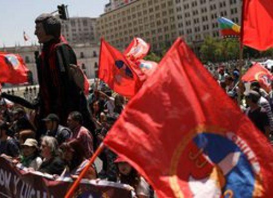 Confrontos voltam às ruas no Chile