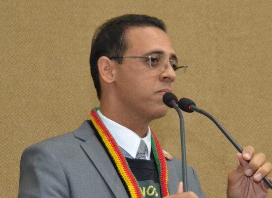 Deputado Hilton Coelho (PSOL) defende Estado Laico, liberdade de culto e fim da intolerância religiosa