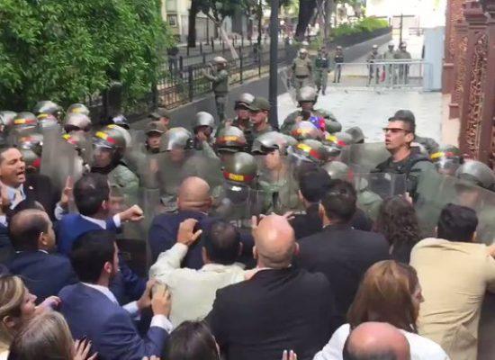 Luis Parra é eleito novo presidente da Assembleia venezuelana