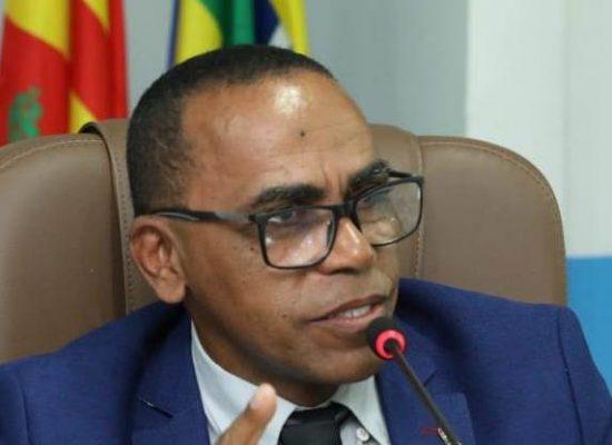 Vereador Pastor Matos reivindica retomada do serviço de desobstrução da rede pluvial da Rua Vila São Miguel