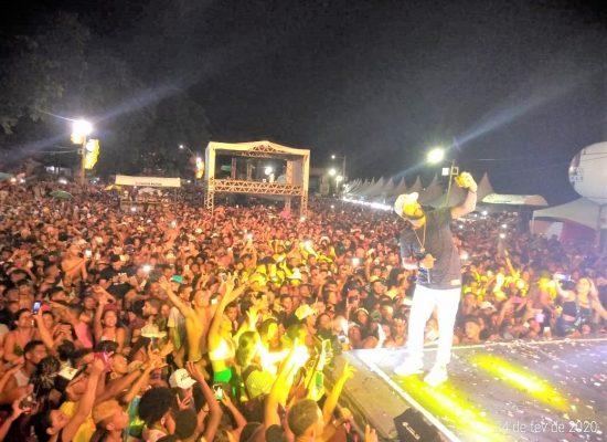 Carnaval de Itacaré bate recorde de público, num clima de alegria e paz