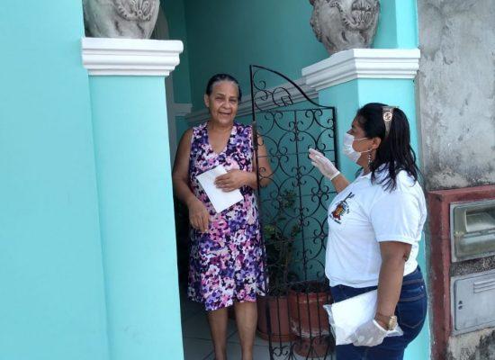 Agentes de endemias reforçam ações de combate à dengue sem entrar em casas