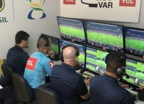 CBF convoca árbitros baianos para cursos de aperfeiçoamento e habilitação em VAR
