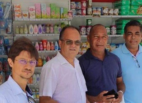 Comissões da Câmara de Ilhéus fiscalizam farmácias no centro da cidade