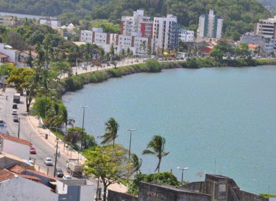 ESCUTA ILHÉUS: Vereador reivindica recuperação de abrigo de ônibus no Pontal