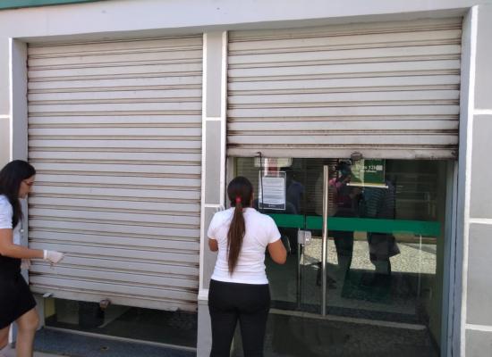 Estabelecimentos comerciais são fiscalizados pelo município