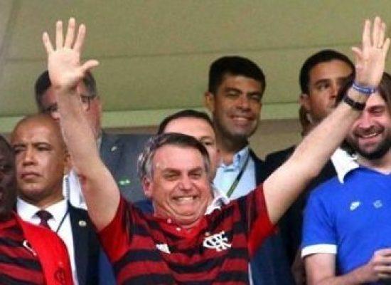 O mais forte dos aliados da CBF. Bolsonaro quer volta do futebol