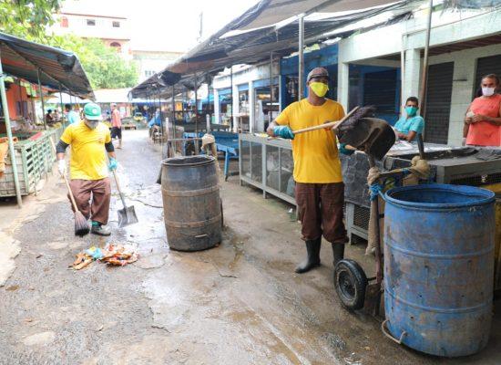 Prefeitura realiza desinfecção e serviços urbanos em vários locais de Ilhéus