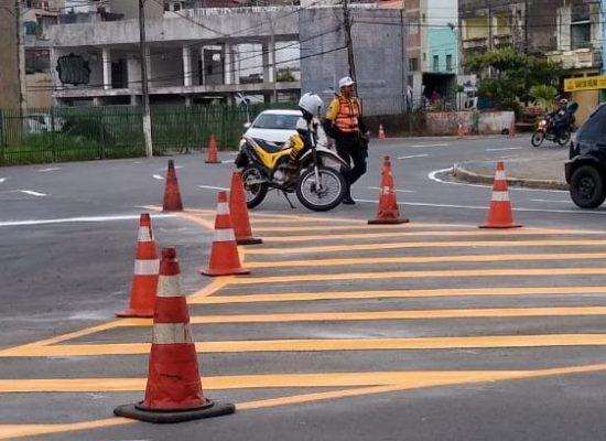 Prefeitura realiza melhorias na sinalização de ruas e avenidas de Ilhéus