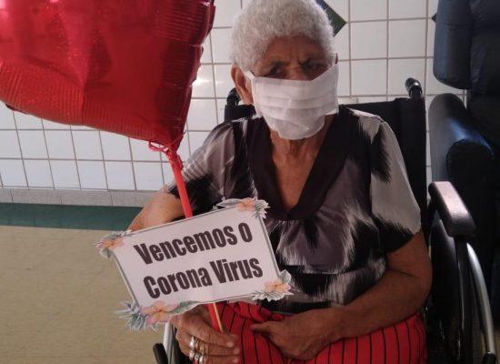 Mais cinco idosos retornam ao Abrigo São Vicente de Paulo recuperados do coronavírus