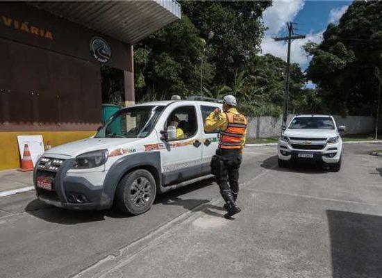 Prefeitura de Ilhéus instala barreiras de contenção para impedir avanço da Covid-19