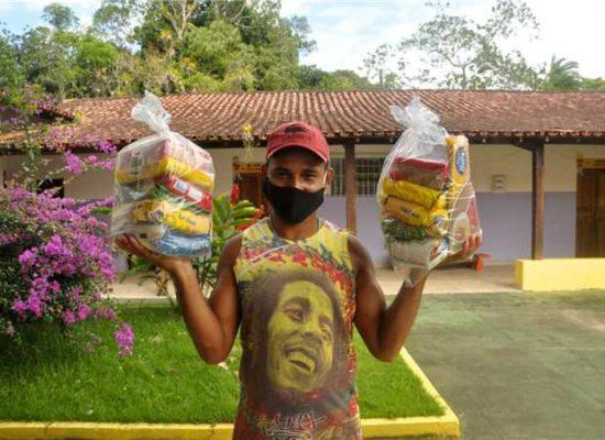 Prefeitura de Ilhéus já distribuiu 13 mil kits alimentação para alunos da rede municipal