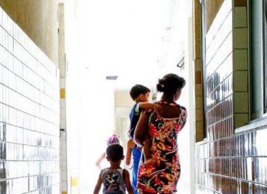 Vai a sanção projeto que torna essenciais serviços contra violência doméstica