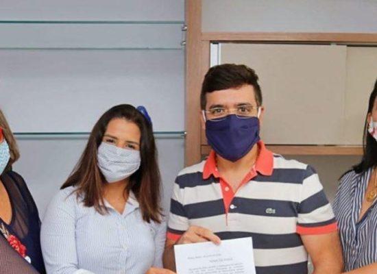 Valderico Junior empossa diretoria do grupo Mulheres Democratas
