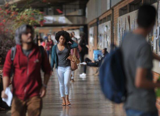 MEC muda para 1º de março aulas presenciais nas universidades federais