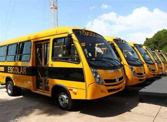 Prefeitura de Ilhéus recebe 2 novos ônibus escolares