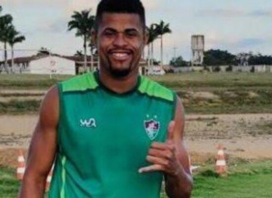 Colo-Colo contrata zagueiro Val, ídolo da torcida, para reforçar o time
