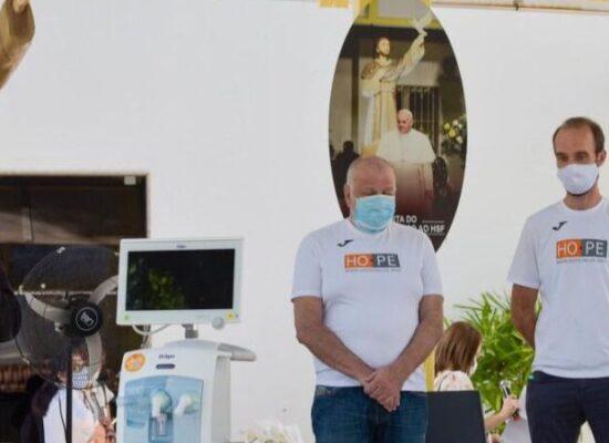 Papa Francisco doa equipamentos para tratamento da covid-19