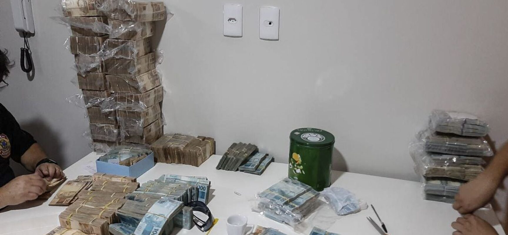 Polícia Federal cumpre 623 mandados no país contra grupo criminoso