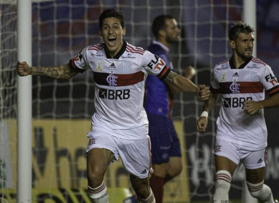 Bahia dá vexame e é goleado por 5 a 3 pelo Flamengo