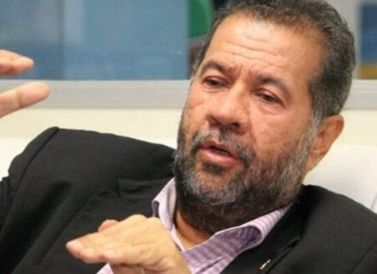 Carlos Lupi (PDT), afirma que Neto representa o que o partido acredita