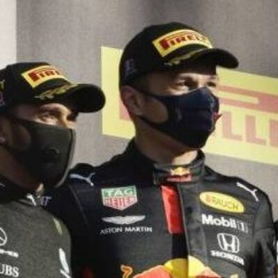 GP da Toscana: Hamilton vence e cola no recorde de Schumi
