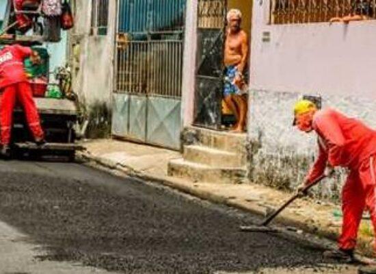 Vereador Luiz Carlos Escuta, PSD, reivindica alfaltamento da Rua Bom Jesus (TV).
