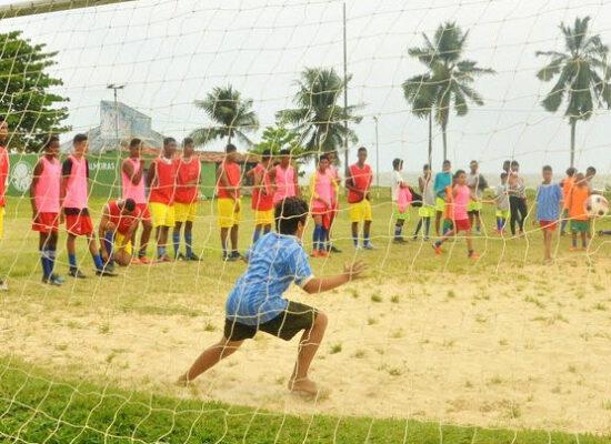 Escolinha de Futebol Os Meninos de Ilhéus promove torneio do dia das crianças