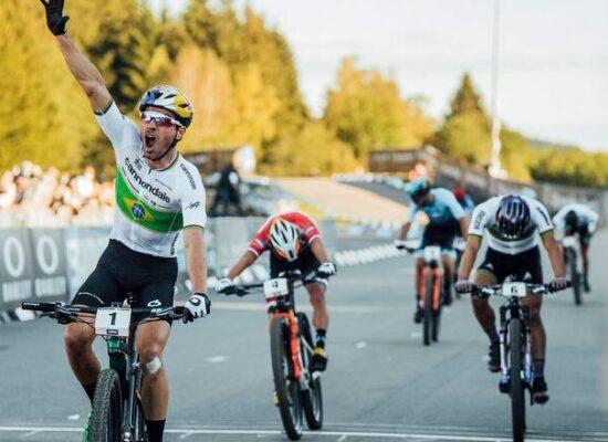 Histórico: Henrique Avancini vence prova olímpica de Mountain Bike