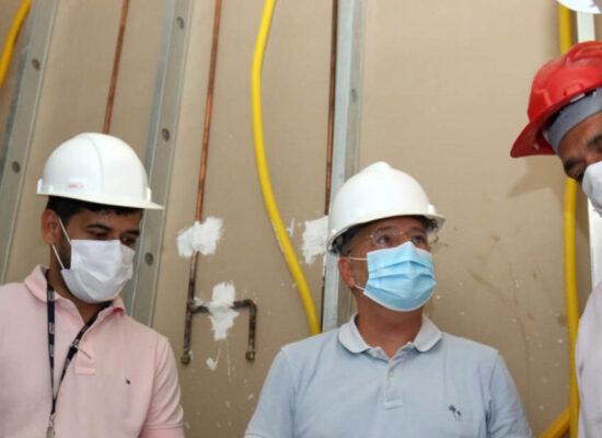 Secretário da Saúde inspeciona obras para implantação do Hospital Materno-Infantil de Ilhéus