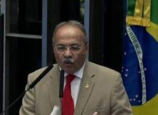 Senadores discutem barrar afastamento de Chico Rodrigues