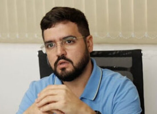 Valderico Junior apresenta o programa Prefeitura Digital