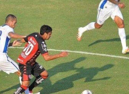 Vitória é batido em casa pelo Avaí e chega a quatro jogos sem triunfos na Série B