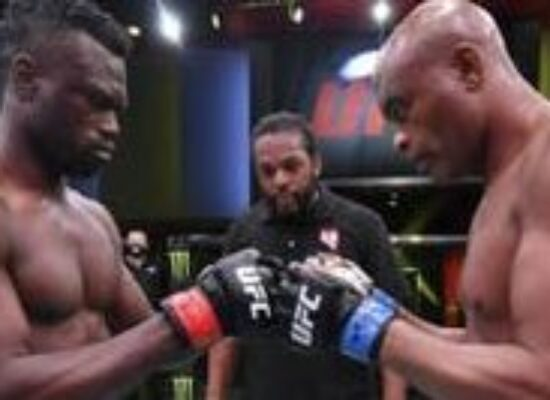 Anderson Silva é nocauteado por Uriah Hall na despedida do UFC