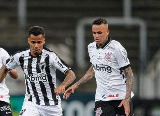 Atlético Mineiro vence o Corinthians e assume a ponta do Brasileiro