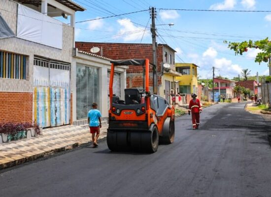 Prefeito Mário Alexandre confere andamento de obras no Teotônio Vilela e na Ponta da Pedra