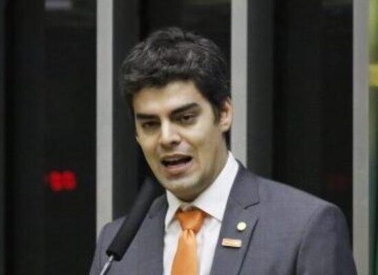 Projeto acaba com auxílio-mudança pago a deputado e senador