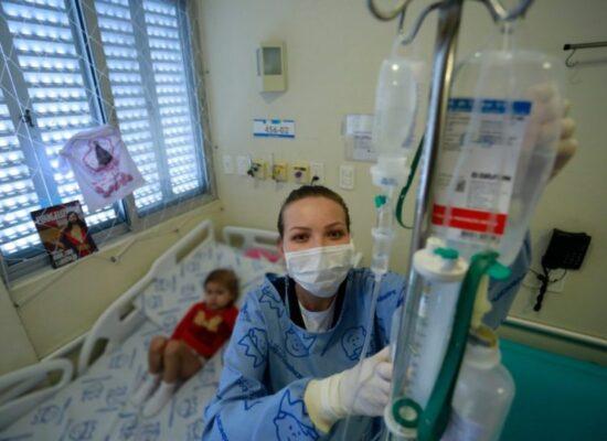 Projeto concede adicional de 10% a profissionais de enfermagem aptos em Libras