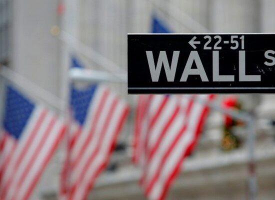 Wall Street tem alta na véspera da eleição nos EUA