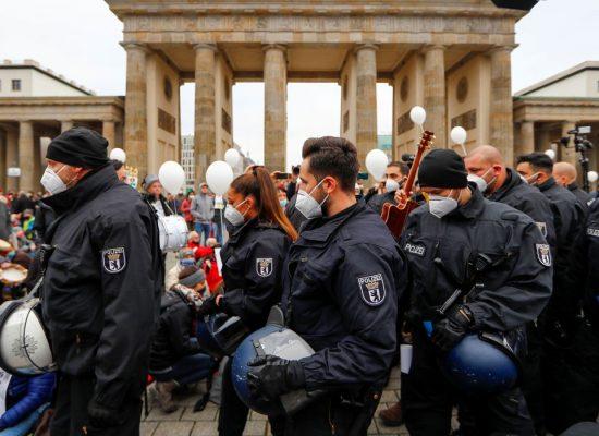 Alemanha deve discutir amanhã lockdown rígido contra covid-19