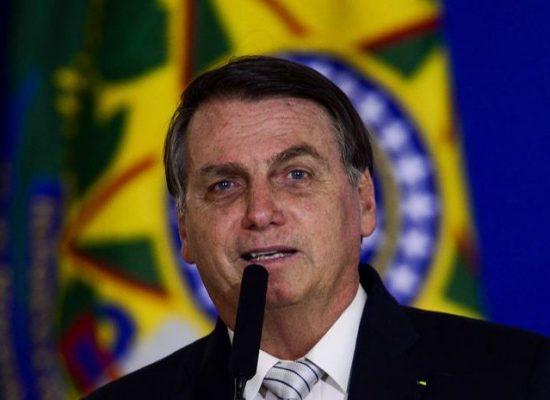 Bolsonaro assina MP para melhoria do ambiente de negócios no Brasil