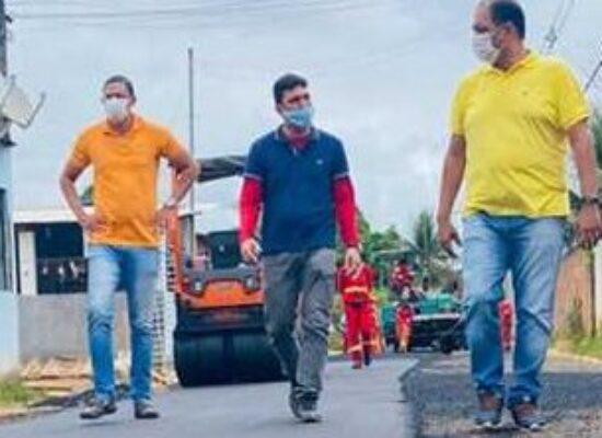 Prefeito Mário Alexandre confere conclusão da segunda etapa do asfalto no Teotônio Vilela