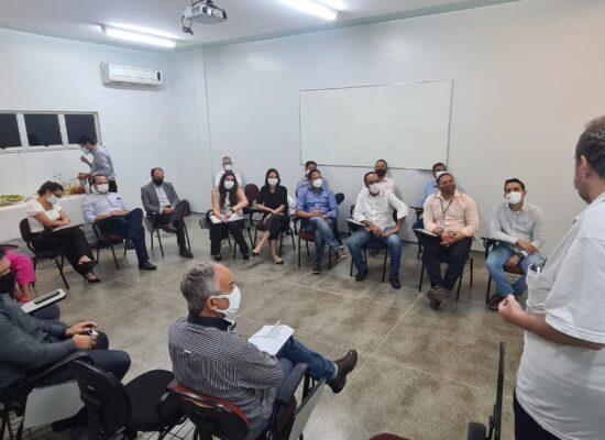 Augusto Castro visita Hospital Manoel Novaes e se reúne dirigentes da Santa Casa