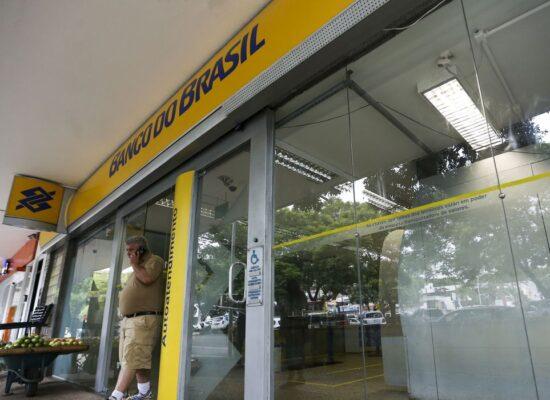 Funcionários do Banco do Brasil fazem paralisação contra demissões
