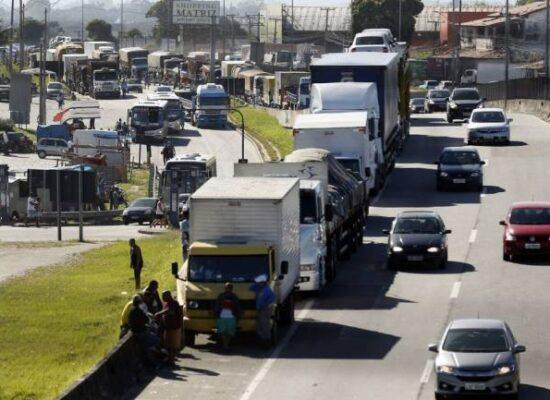 Caminhoneiros planejam nova paralisação para fevereiro